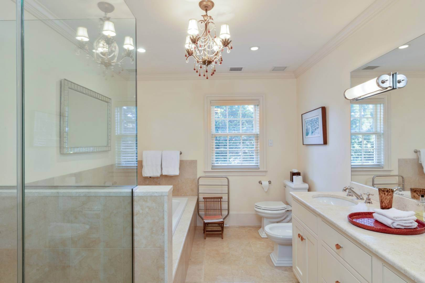 22. Single Family Home at Great Southampton Village Estate Two Blocks To Ocean Southampton, NY 11968