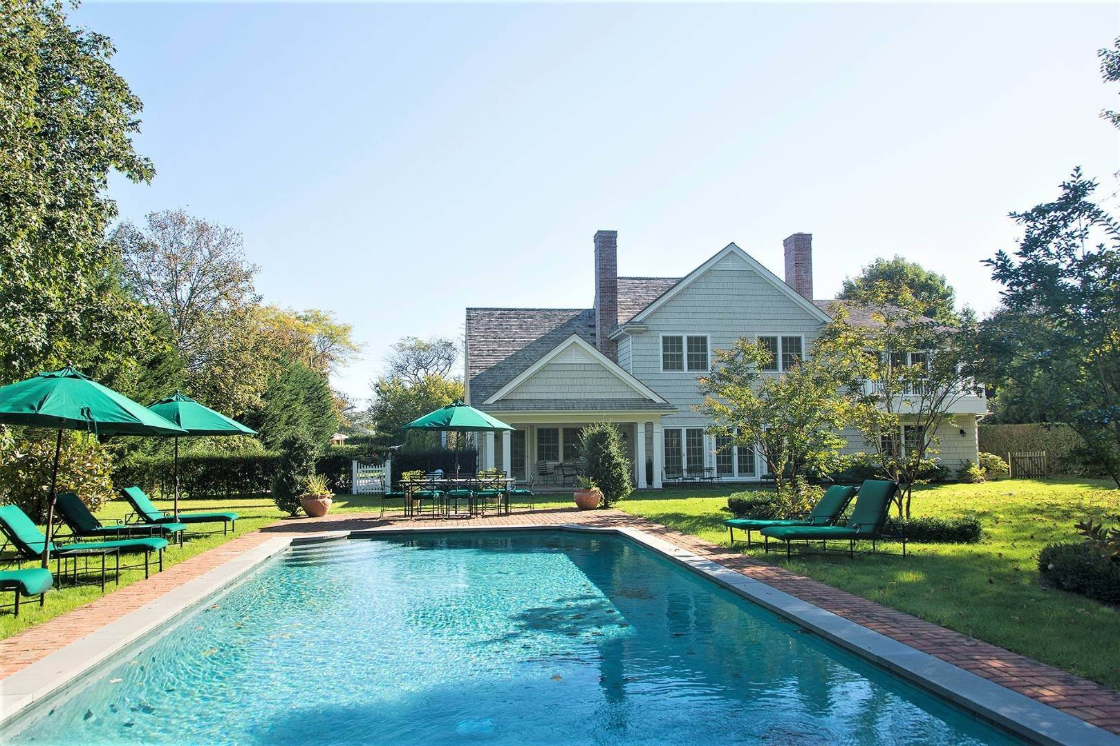 26. Single Family Home at Great Southampton Village Estate Two Blocks To Ocean Southampton, NY 11968