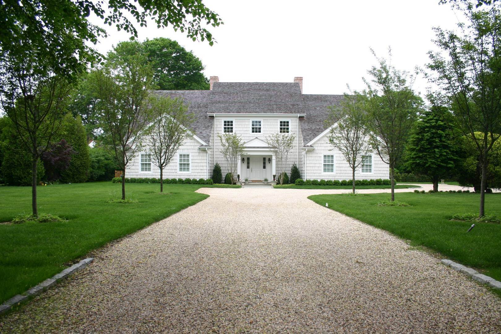 Single Family Home at Great Southampton Village Estate Two Blocks To Ocean Southampton, NY 11968