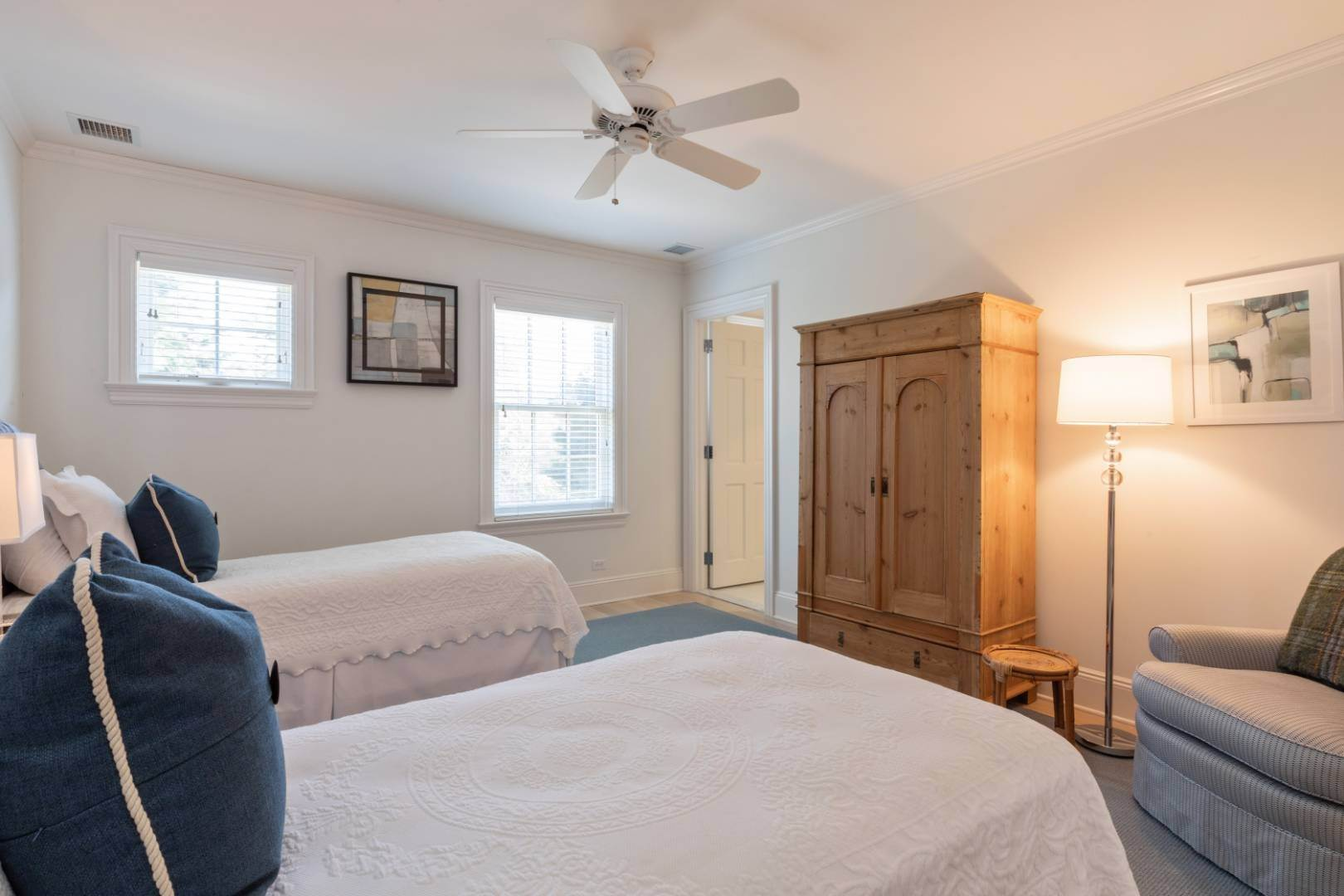 17. Single Family Home at Great Southampton Village Estate Two Blocks To Ocean Southampton, NY 11968