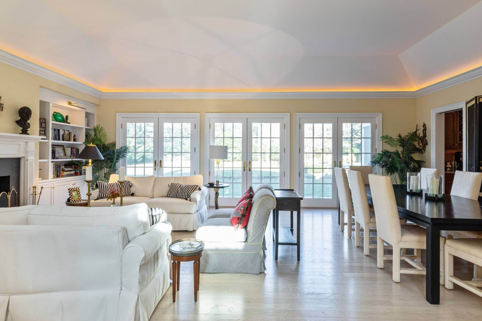 6. Single Family Home at Great Southampton Village Estate Two Blocks To Ocean Southampton, NY 11968