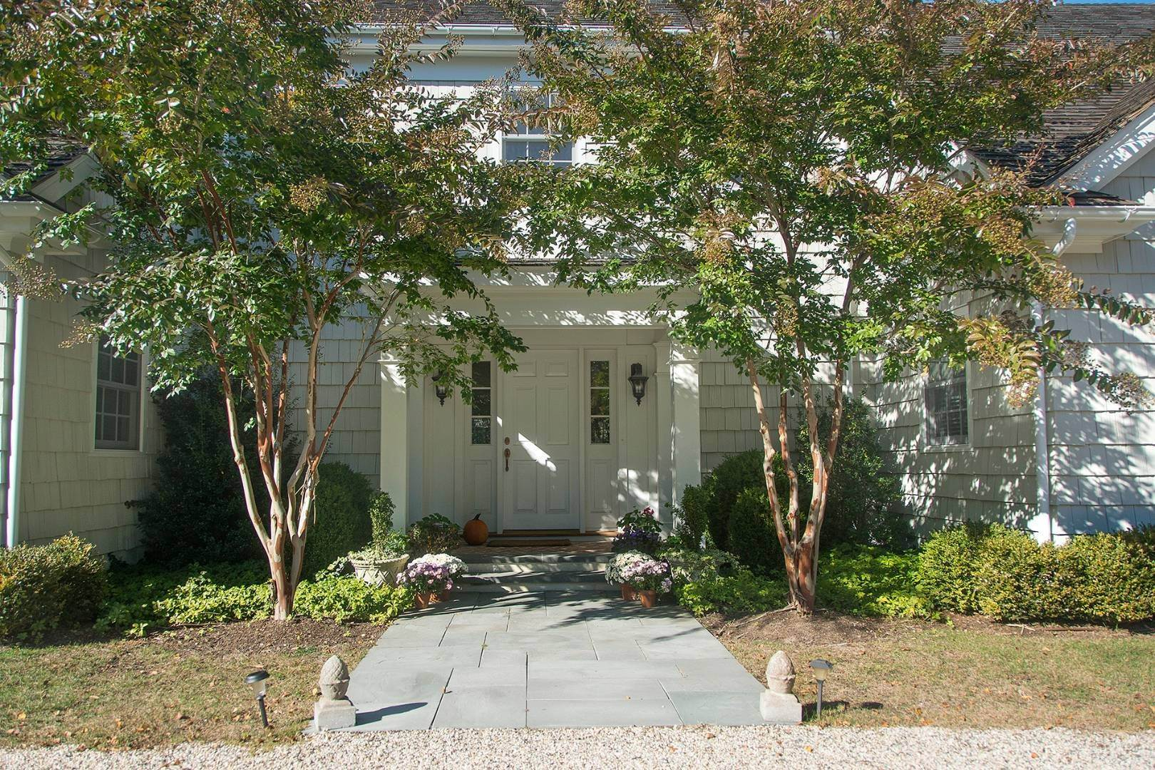3. Single Family Home at Great Southampton Village Estate Two Blocks To Ocean Southampton, NY 11968