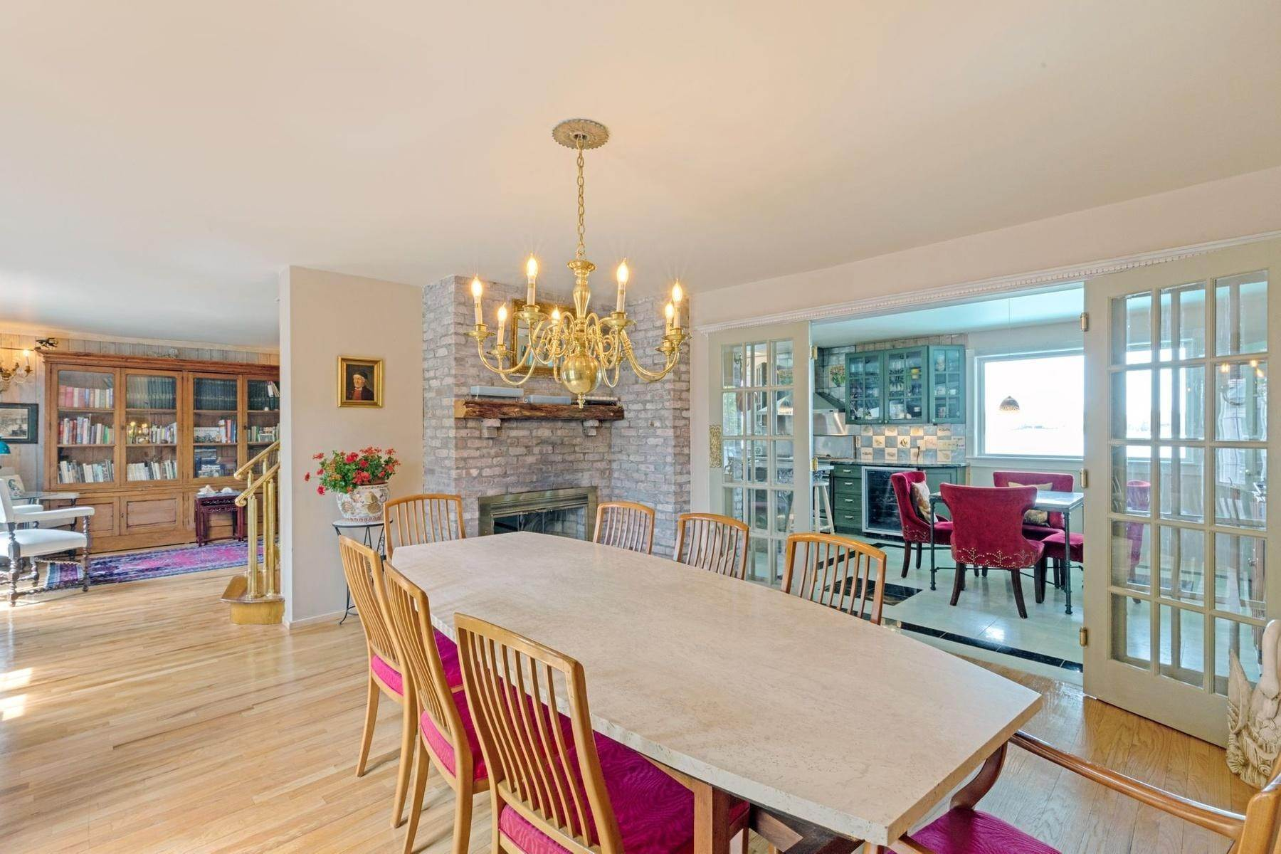 5. Single Family Home at Summer On The Bay In The Village Of Sag Harbor With Pool Sag Harbor, NY 11963