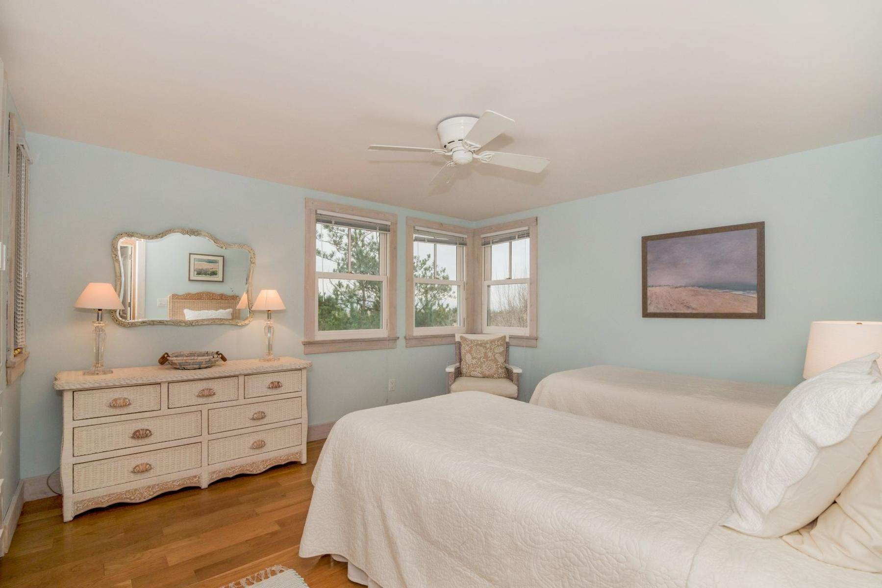 15. Single Family Home at Amagansett Oceanfront Amagansett, NY 11930