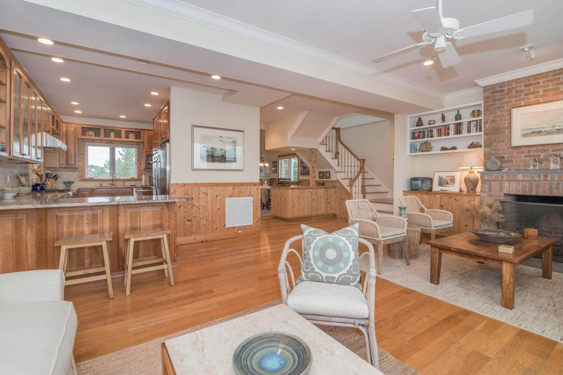 4. Single Family Home at Amagansett Oceanfront Amagansett, NY 11930