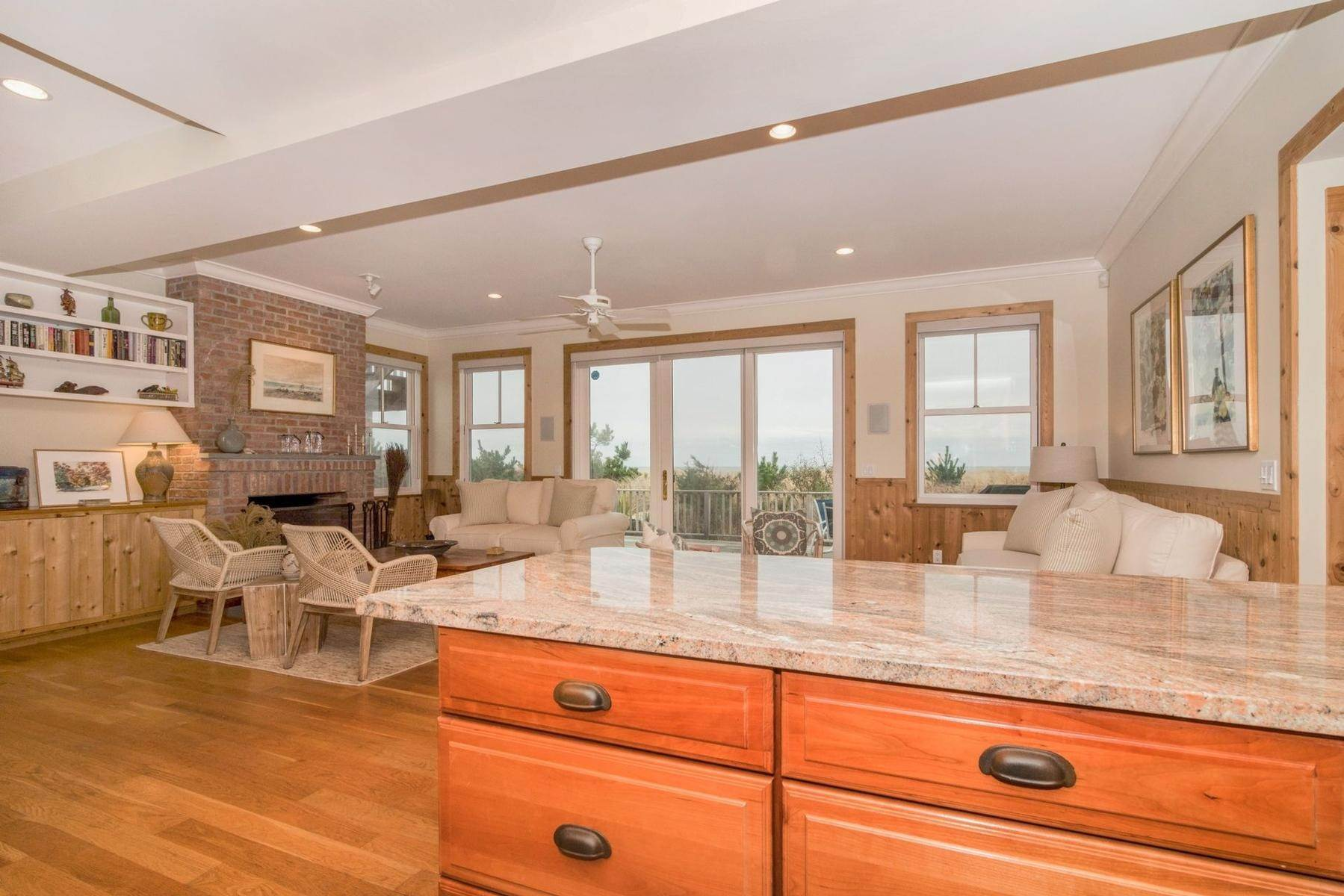 5. Single Family Home at Amagansett Oceanfront Amagansett, NY 11930