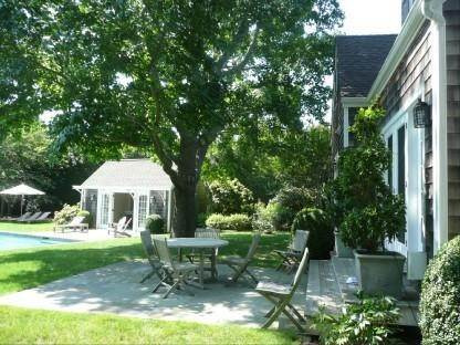 16. Single Family Home at Wonderful Wainscott Wainscott, NY 11975