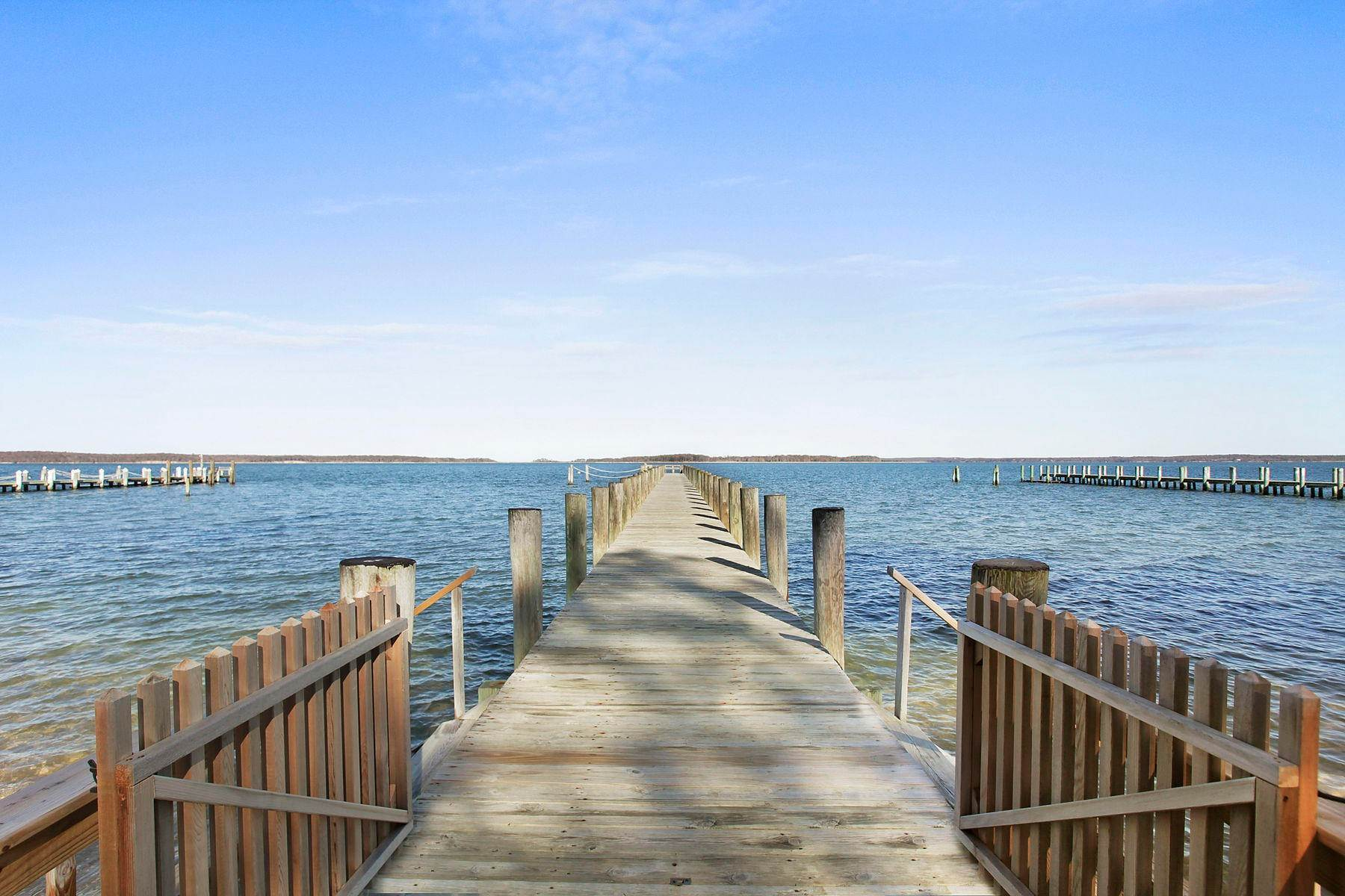 17. Single Family Home at Spectacular Waterfront In Sag Harbor Sag Harbor, NY 11963