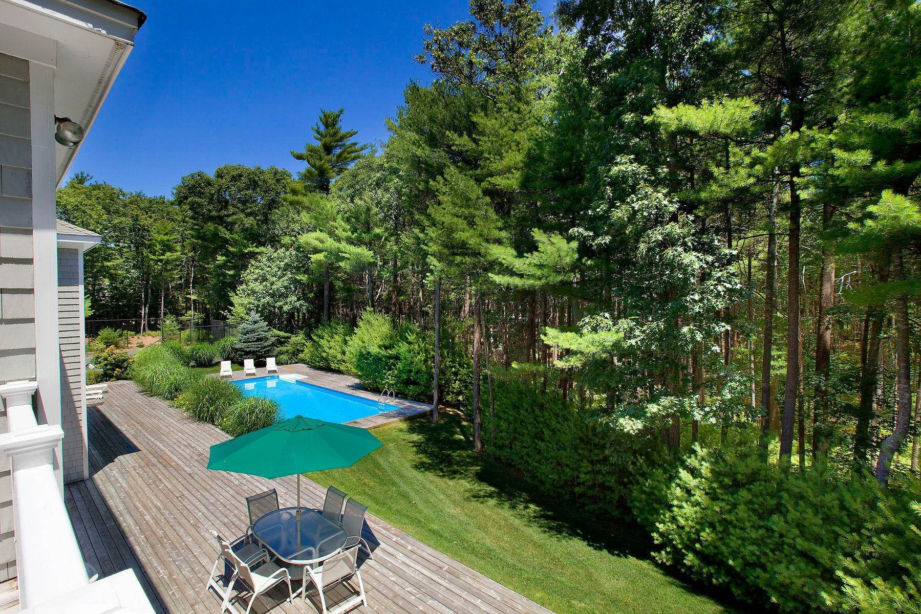 4. Single Family Home at Tennis And Privacy In East Hampton East Hampton, NY 11937