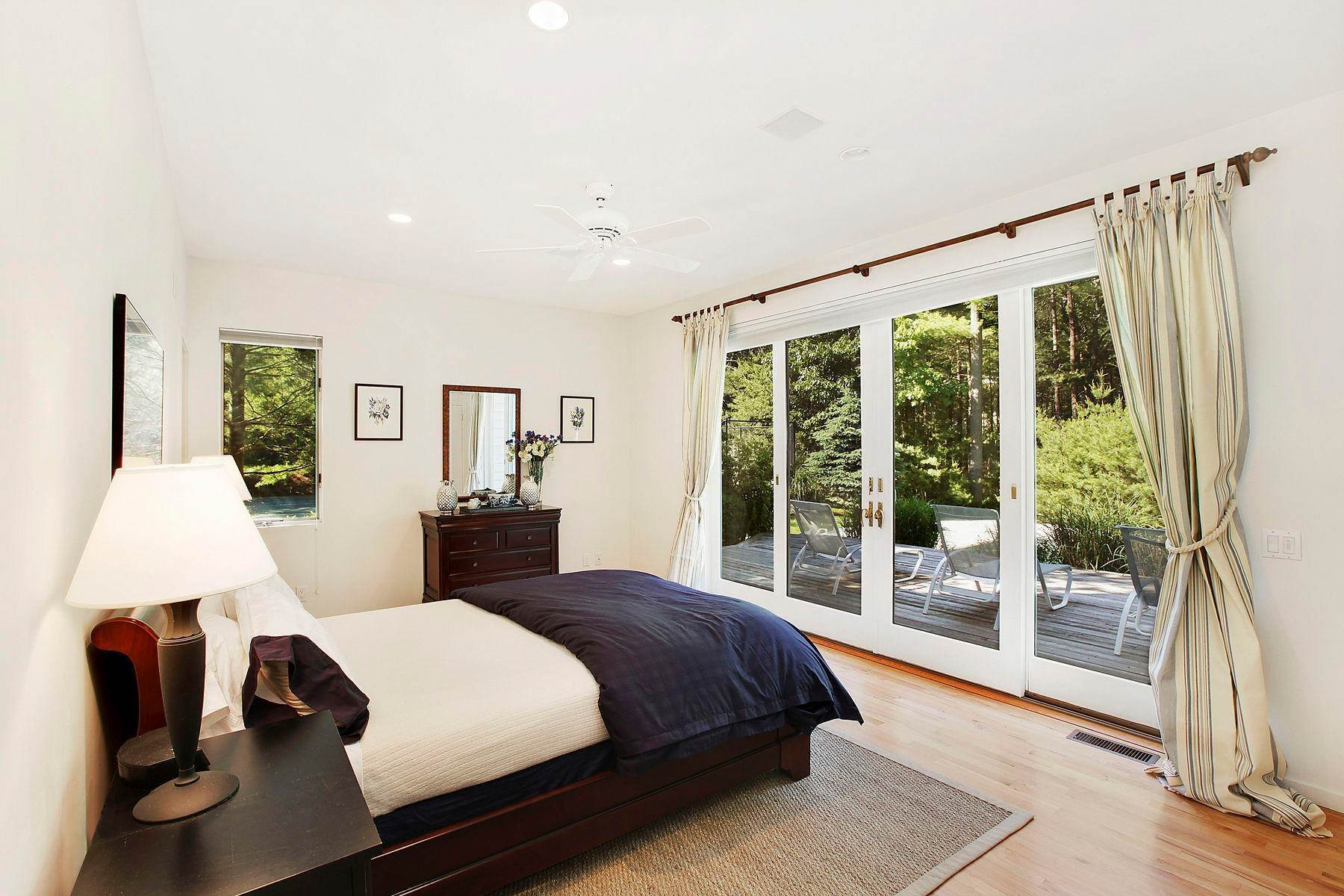 13. Single Family Home at Tennis And Privacy In East Hampton East Hampton, NY 11937