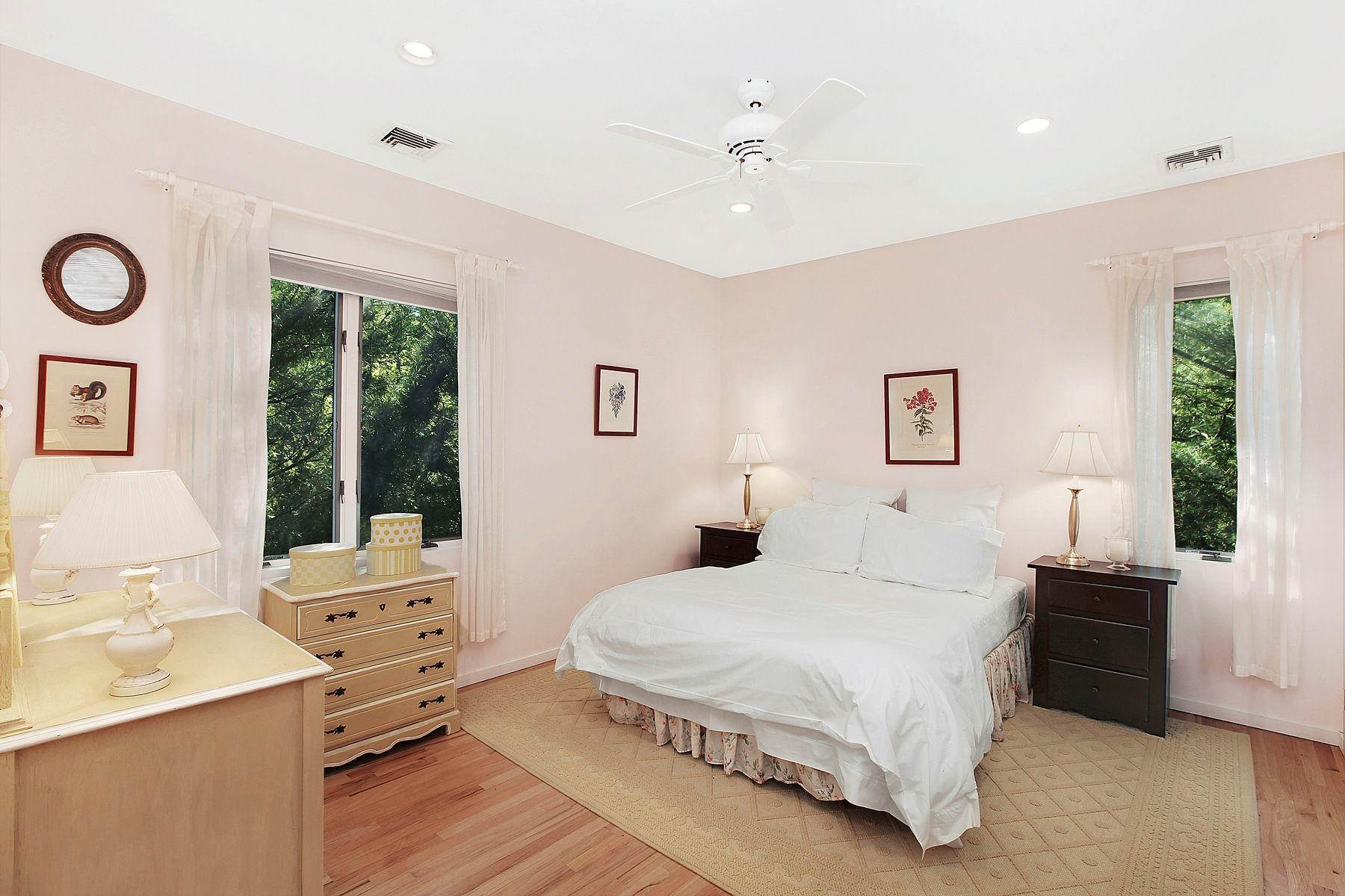 14. Single Family Home at Tennis And Privacy In East Hampton East Hampton, NY 11937