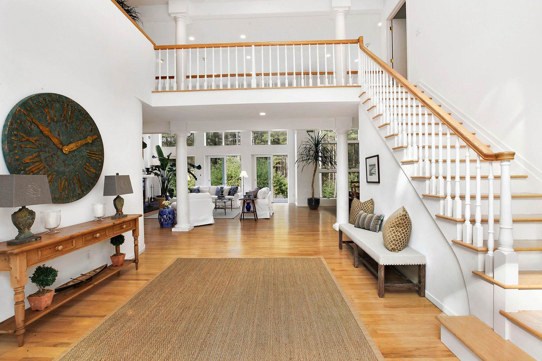 19. Single Family Home at Tennis And Privacy In East Hampton East Hampton, NY 11937