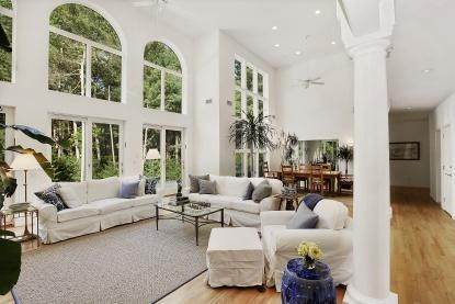 16. Single Family Home at Tennis And Privacy In East Hampton East Hampton, NY 11937