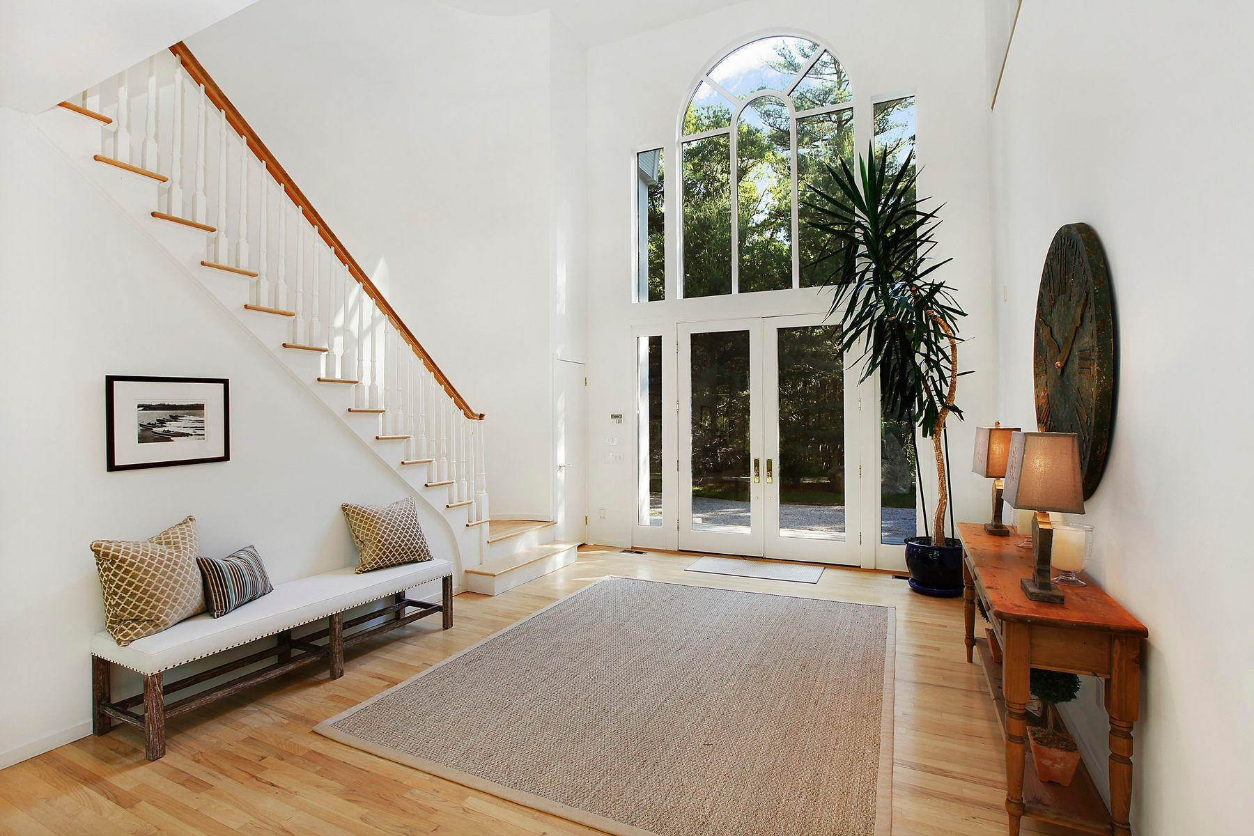 20. Single Family Home at Tennis And Privacy In East Hampton East Hampton, NY 11937