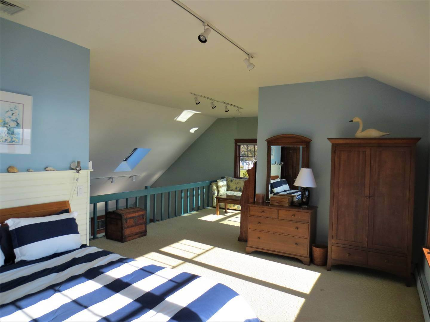 14. Single Family Home at Beautiful Shinnecock Bayfront Home For Summer Rental Hampton Bays, NY 11946