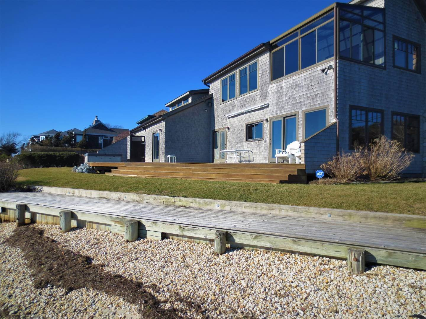 21. Single Family Home at Beautiful Shinnecock Bayfront Home For Summer Rental Hampton Bays, NY 11946