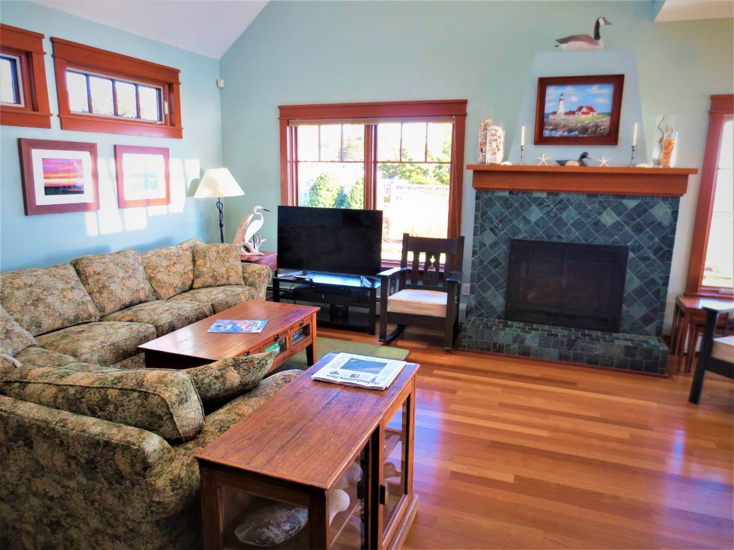 5. Single Family Home at Beautiful Shinnecock Bayfront Home For Summer Rental Hampton Bays, NY 11946