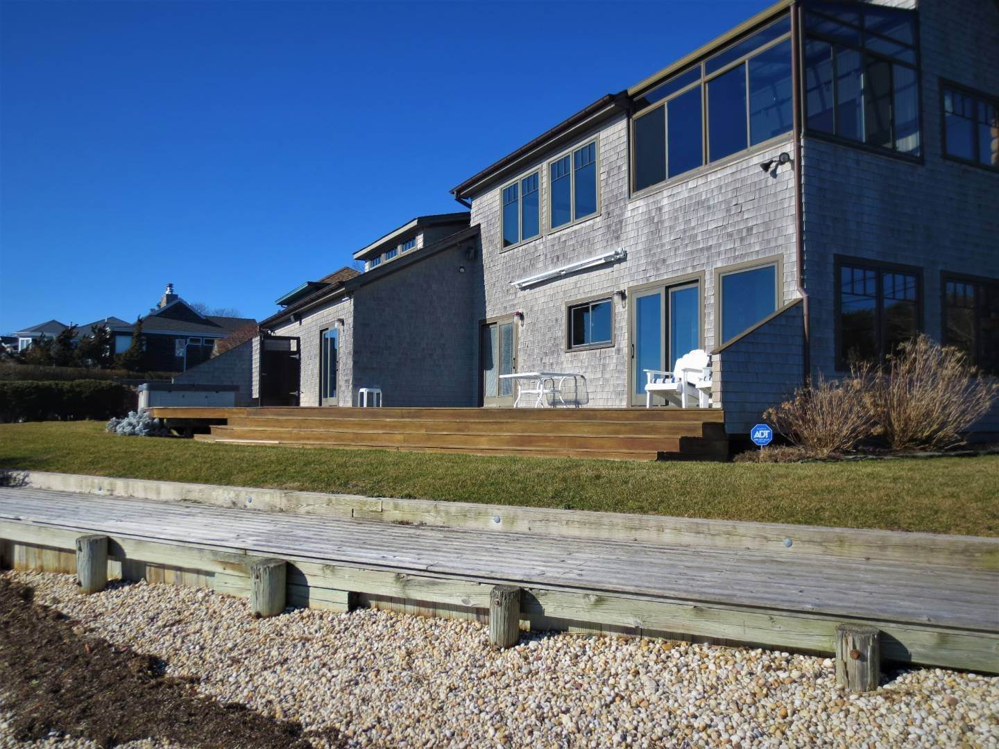 22. Single Family Home at Beautiful Shinnecock Bayfront Home For Summer Rental Hampton Bays, NY 11946
