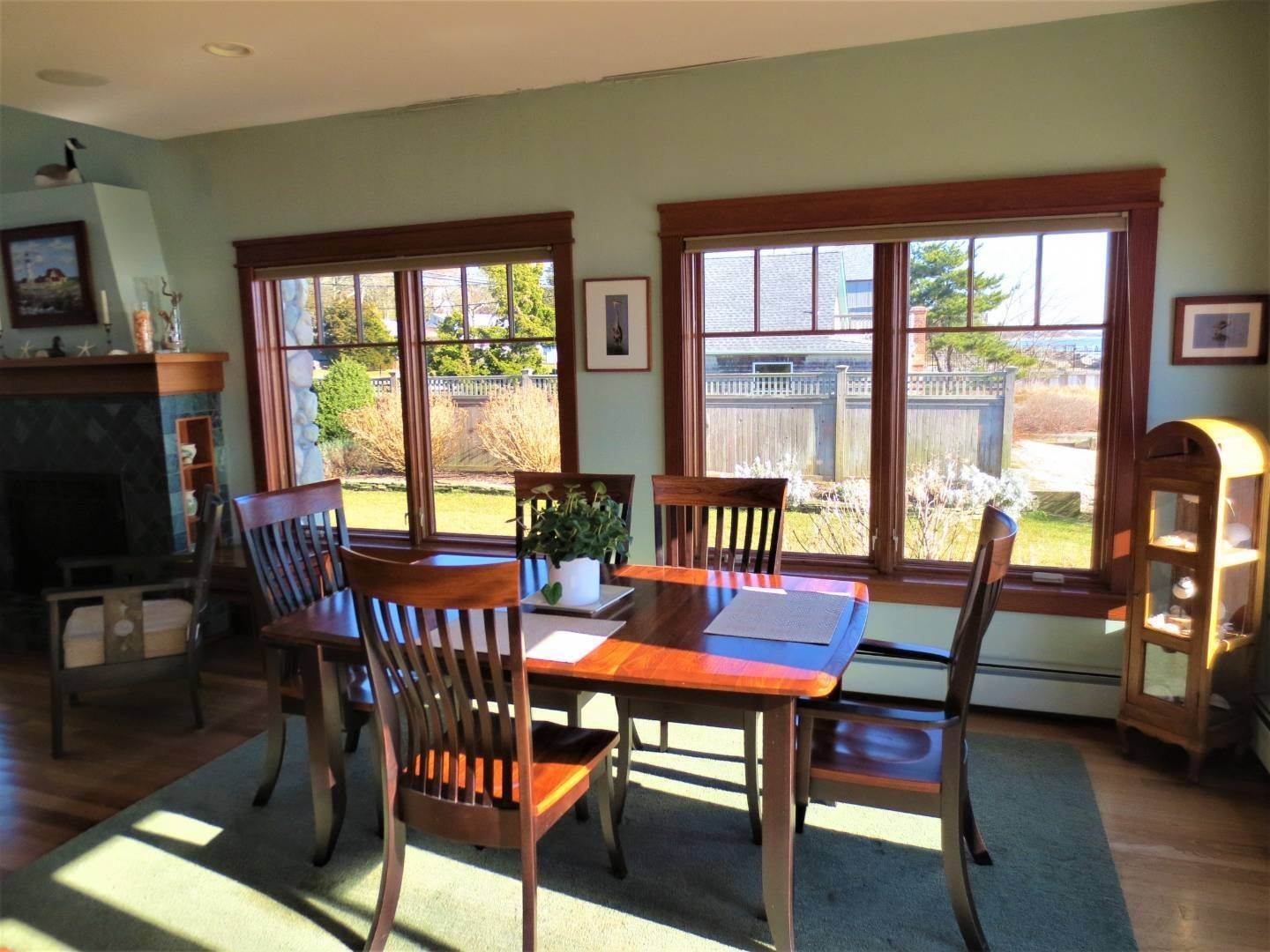 8. Single Family Home at Beautiful Shinnecock Bayfront Home For Summer Rental Hampton Bays, NY 11946
