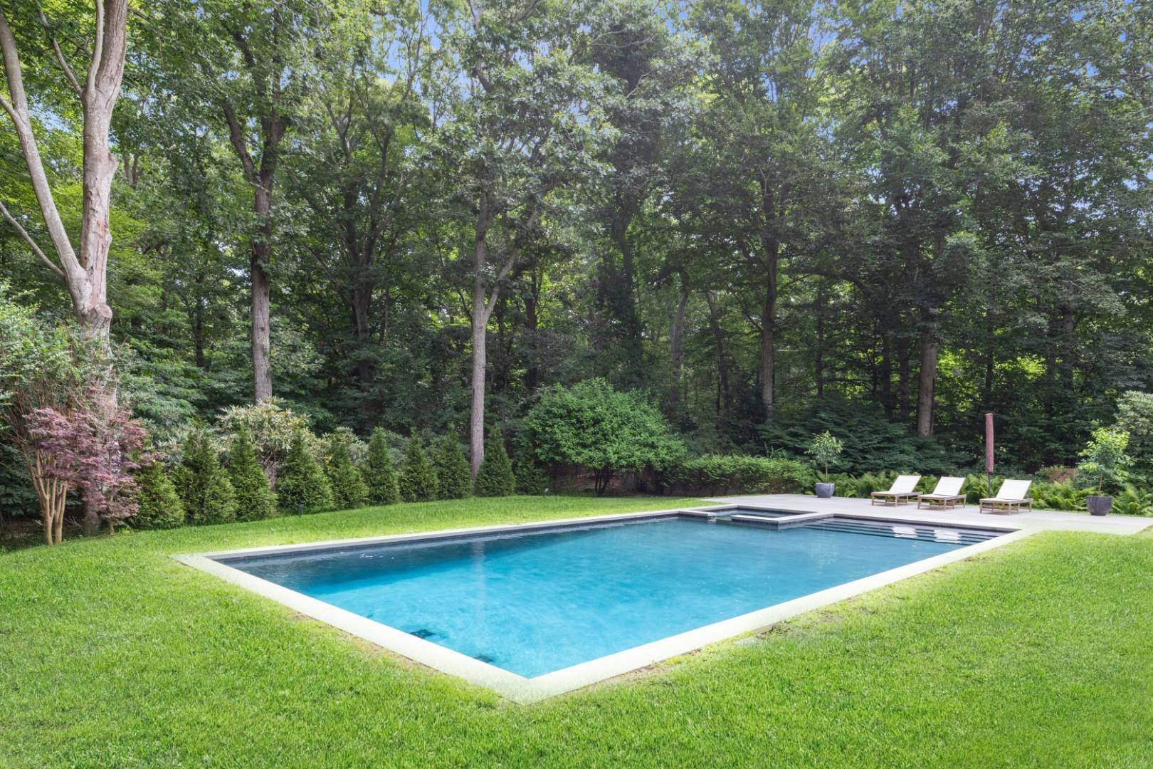 22. Single Family Home at Magnificent Modern With Heated Saltwater Pool 4 Ruffed Grouse Court, East Hampton, NY 11937
