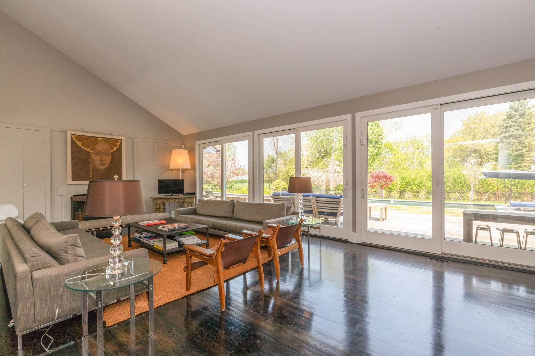 8. Single Family Home at Water Mill - Great Location Behind Parish Museum, Cud-De-Sac Water Mill, NY 11976