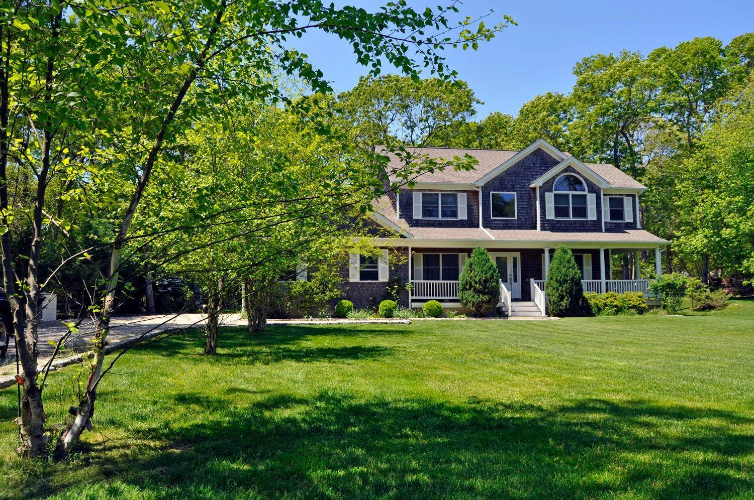 Single Family Home at Southampton Post Modern Near All Southampton, NY 11968