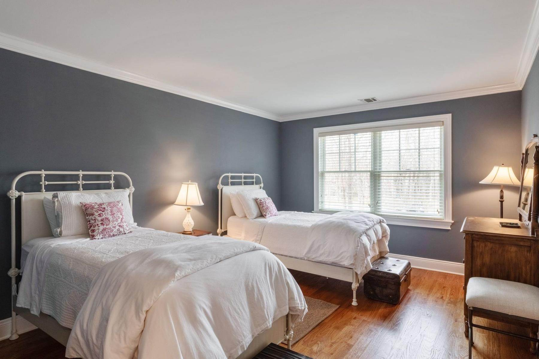 11. Single Family Home at Southampton Traditional Newly Furnished Southampton, NY 11968