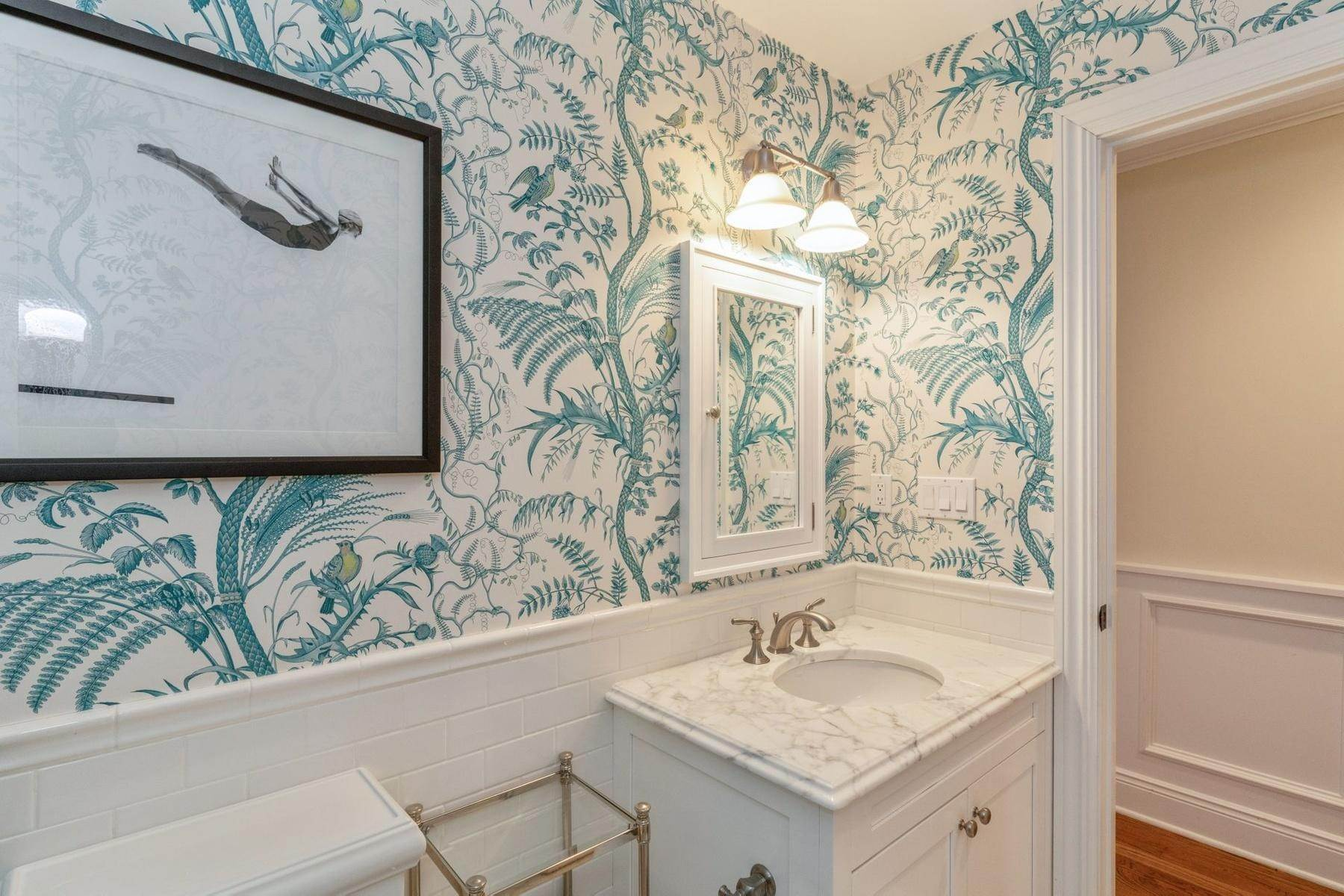 12. Single Family Home at Southampton Traditional Newly Furnished Southampton, NY 11968