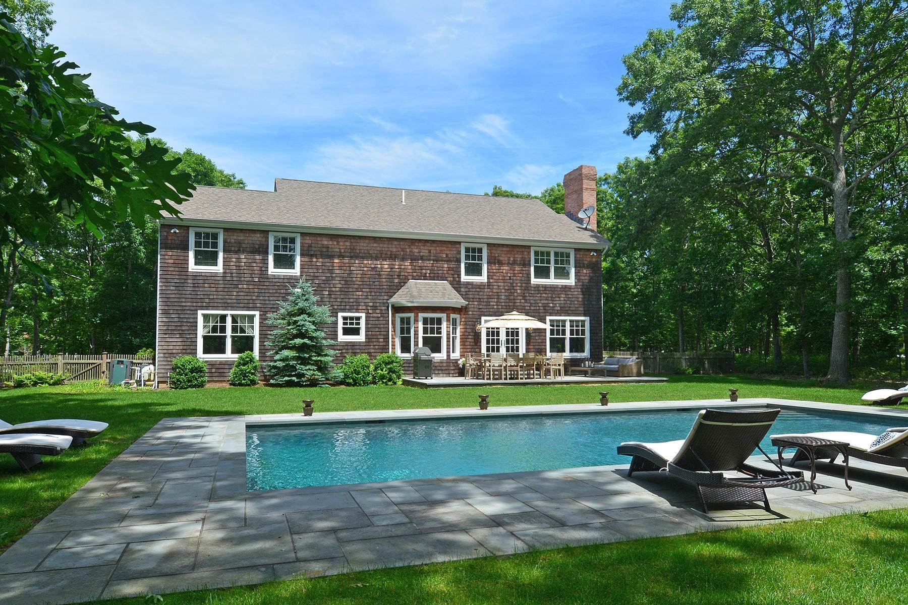 17. Single Family Home at Southampton Traditional Newly Furnished Southampton, NY 11968