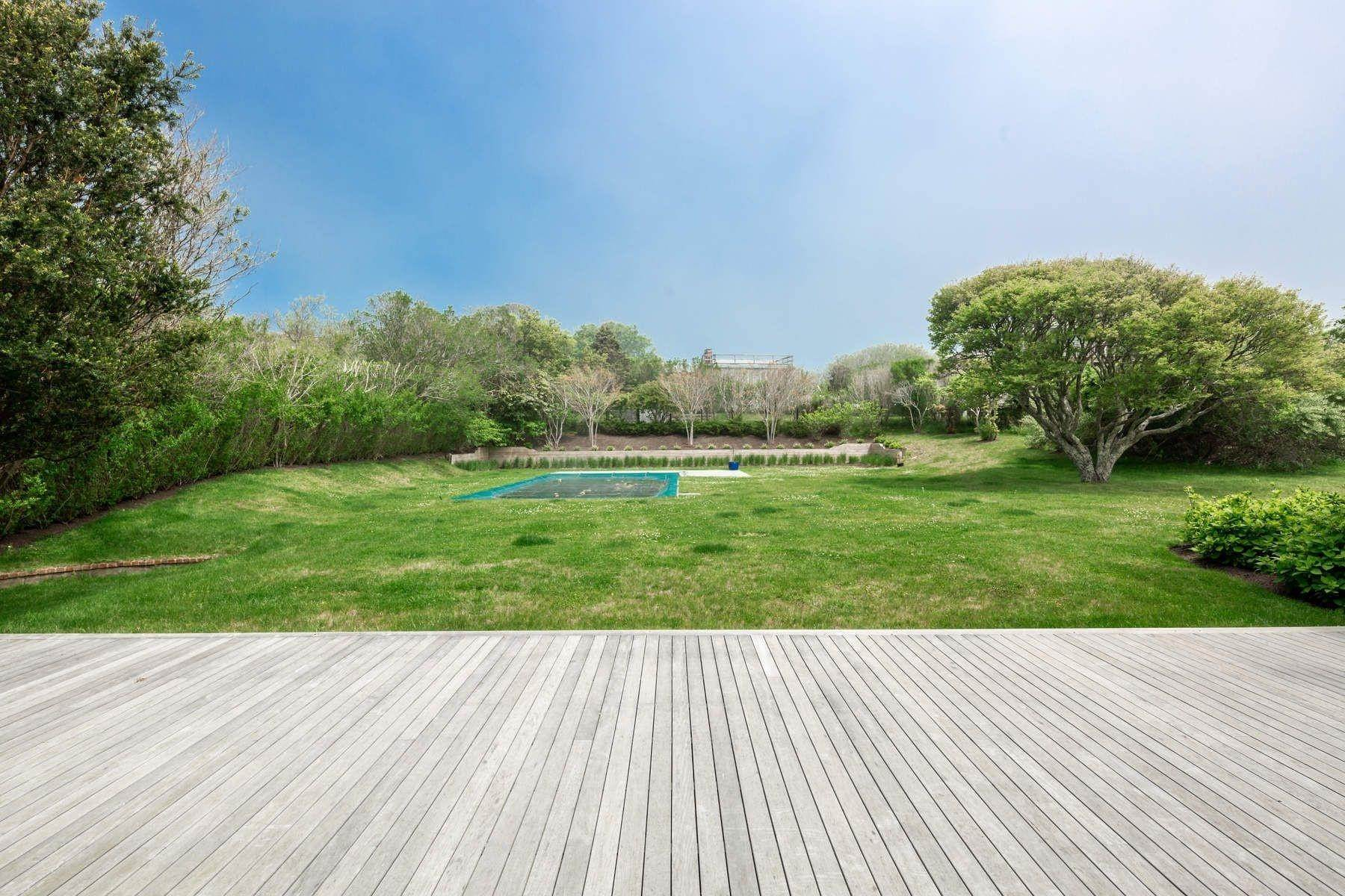 20. Single Family Home at Modern Beach House With Amazing Oceanviews On Surfside Avenue Montauk, NY 11954