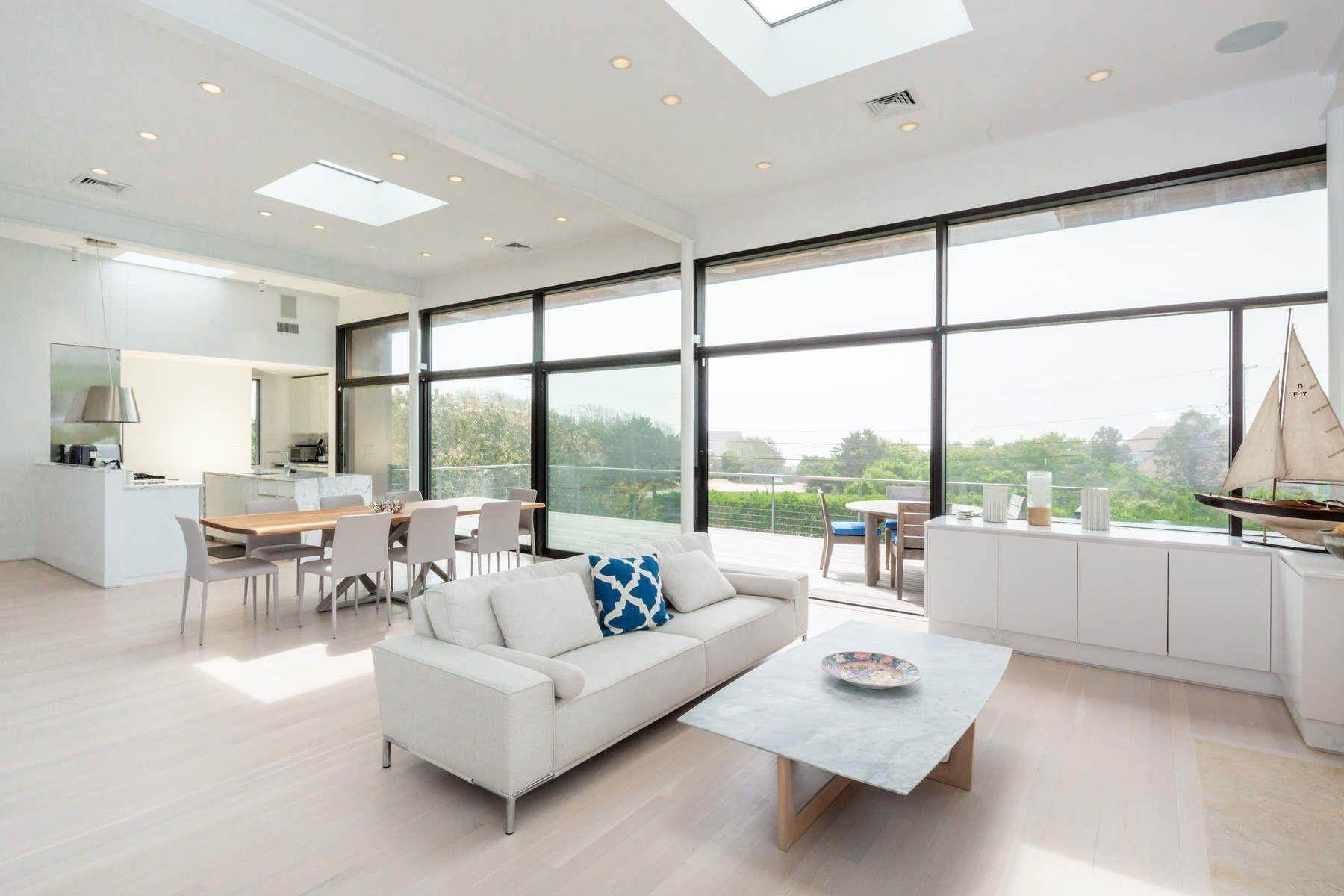 6. Single Family Home at Modern Beach House With Amazing Oceanviews On Surfside Avenue Montauk, NY 11954