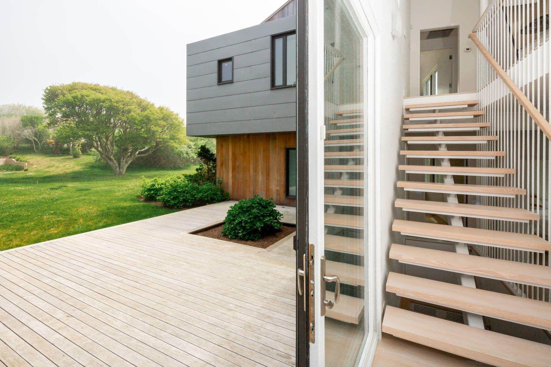 Single Family Home at Modern Beach House With Amazing Oceanviews On Surfside Avenue Montauk, NY 11954