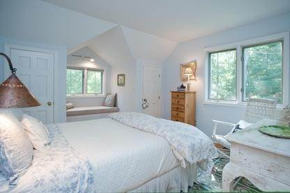 13. Single Family Home at Very Private Summer Getaway In Water Mill Southampton, NY 11968