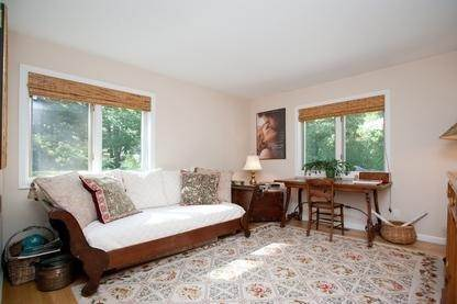 14. Single Family Home at Very Private Summer Getaway In Water Mill Southampton, NY 11968