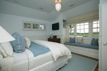 6. Single Family Home at Flower Cottage Southampton Southampton, NY 11968