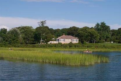 3. Single Family Home at Flower Cottage Southampton Southampton, NY 11968