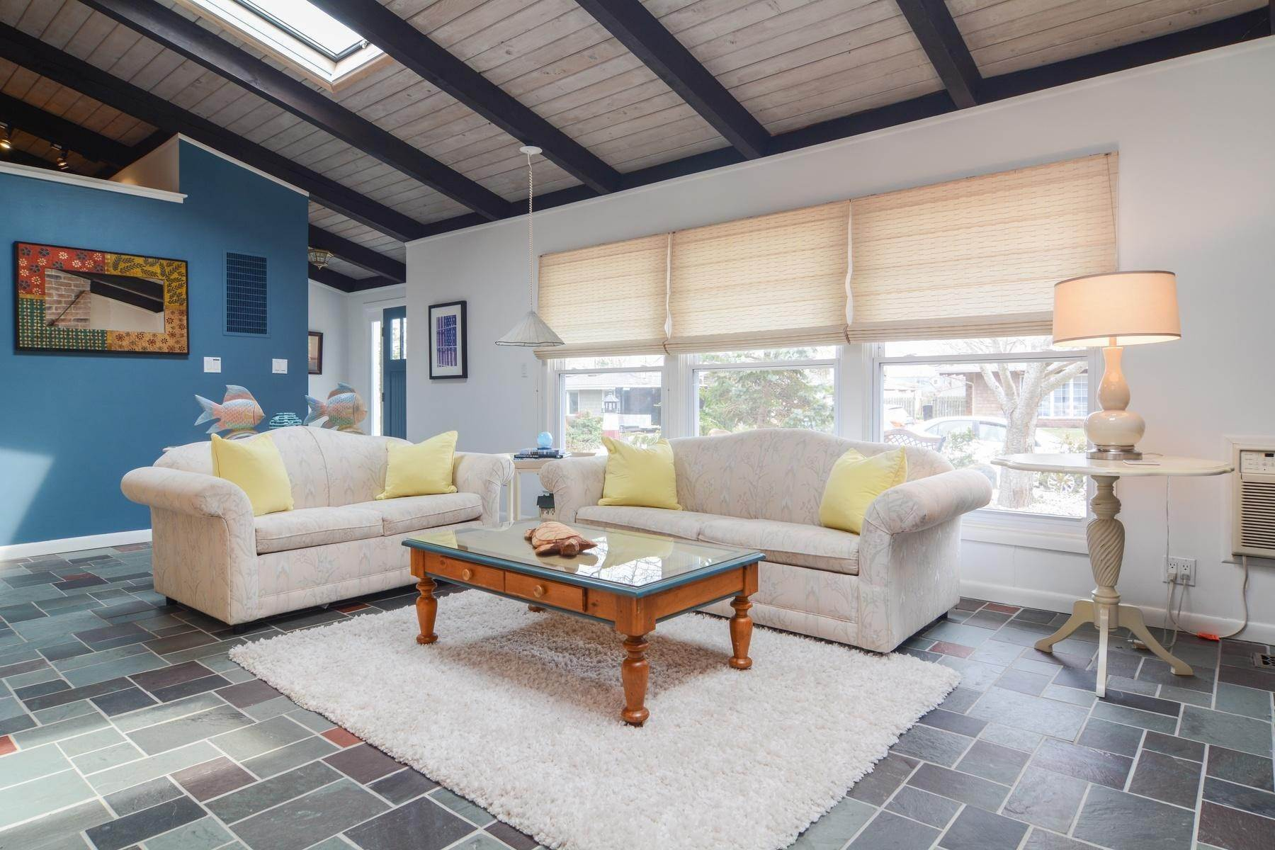 2. Single Family Home at Culloden Beach Beauty Montauk, NY 11954