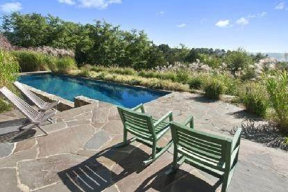14. Single Family Home at Chic Home With Panoramic Water Views Southampton, NY 11968