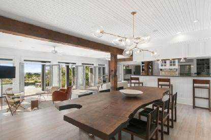 5. Single Family Home at Chic Home With Panoramic Water Views Southampton, NY 11968