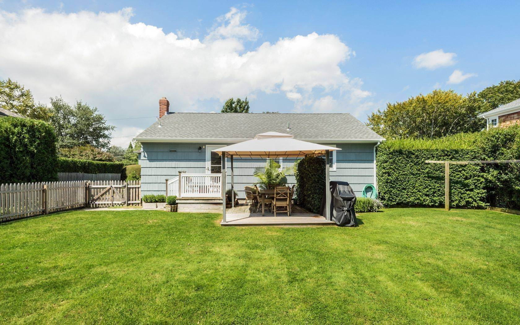 20. Single Family Home at Southampton Village Cottage On A Quiet Street Southampton, NY 11968