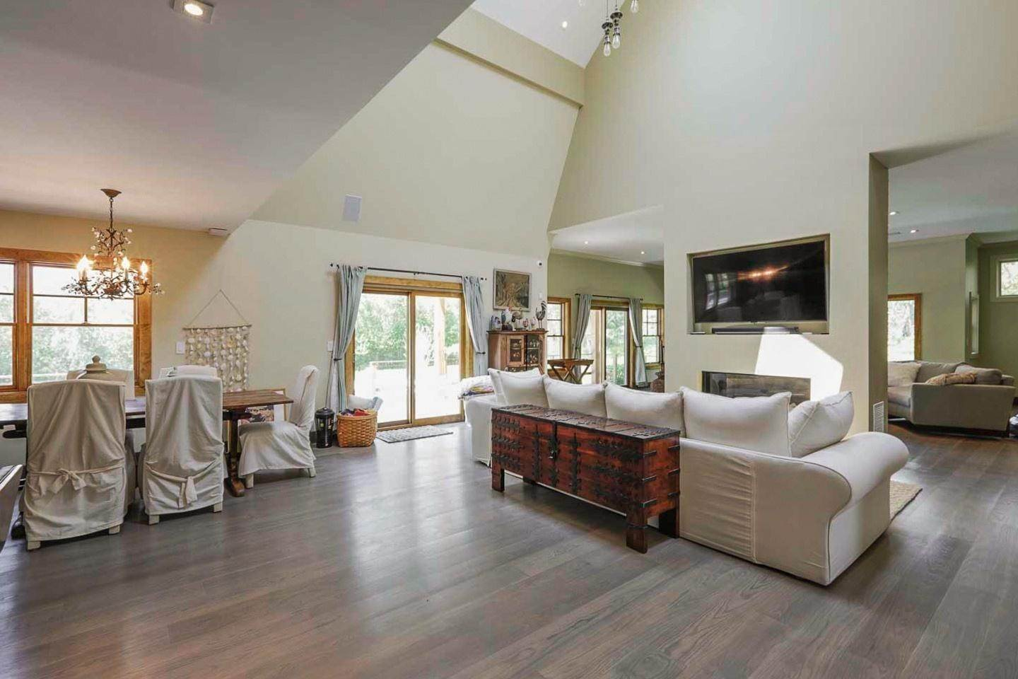 4. Single Family Home at Water Mill North With Pool And Tennis Bridgehampton, NY 11976