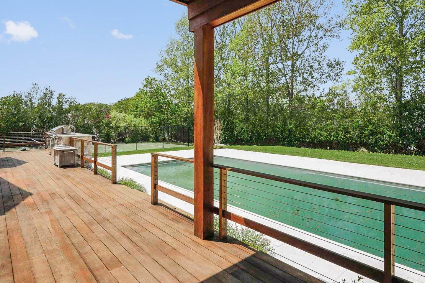 11. Single Family Home at Water Mill North With Pool And Tennis Bridgehampton, NY 11976