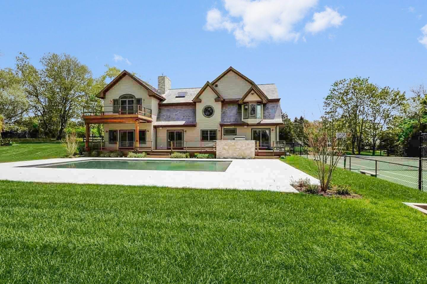 Single Family Home at Water Mill North With Pool And Tennis Bridgehampton, NY 11976