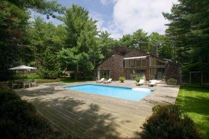 Single Family Home at Grand Northwest Contemporary East Hampton, NY 11937