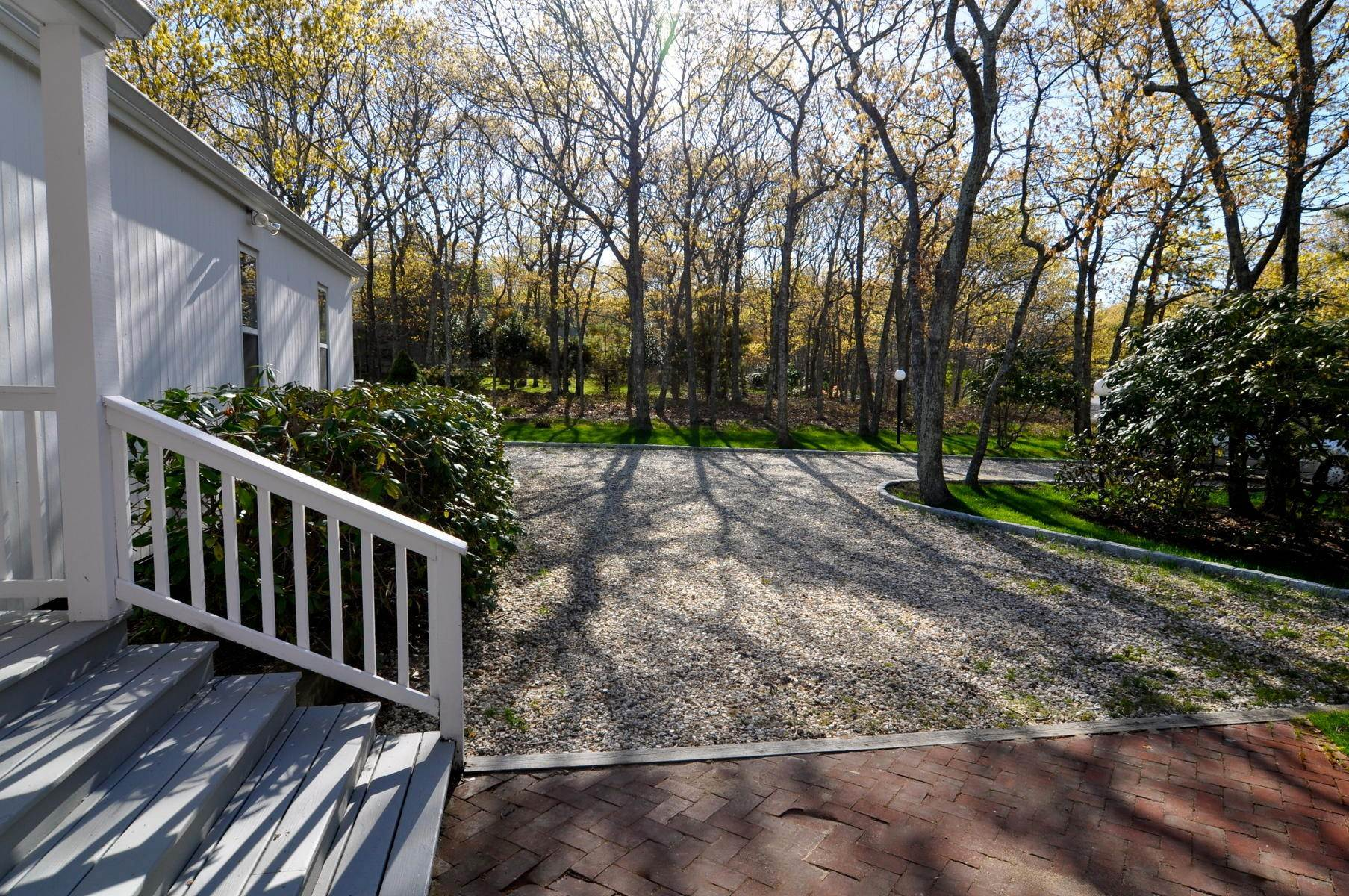 21. Single Family Home at East Hampton - Northwest - Clean And Comfortable East Hampton, NY 11937