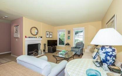 Single Family Home at Charming Condo In Southampton Village Southampton, NY 11968