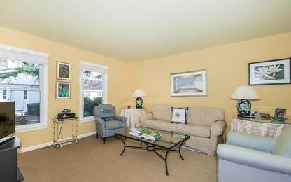 4. Single Family Home at Charming Condo In Southampton Village Southampton, NY 11968