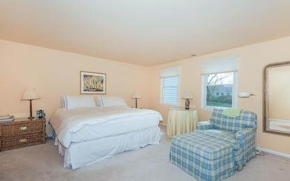 7. Single Family Home at Charming Condo In Southampton Village Southampton, NY 11968
