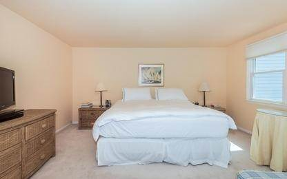 8. Single Family Home at Charming Condo In Southampton Village Southampton, NY 11968