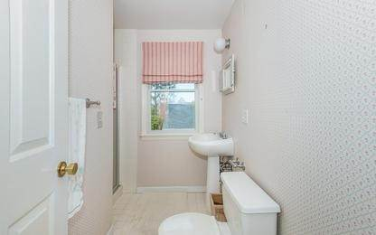 14. Single Family Home at Charming Condo In Southampton Village Southampton, NY 11968